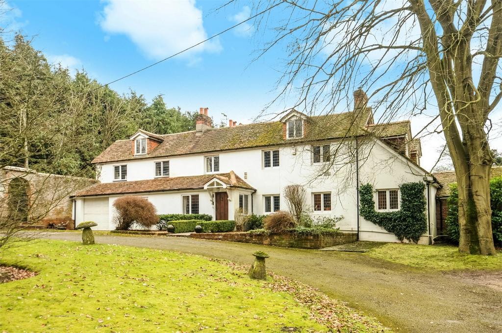 5 Bedrooms Detached House for sale in Kempshott Park, Dummer, Hampshire