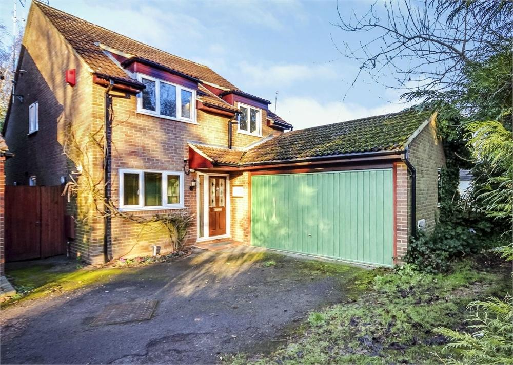 4 Bedrooms Detached House for sale in Broad Lane, Bracknell, Berkshire