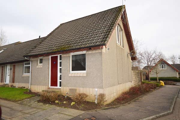 1 Bedroom End Of Terrace House for sale in 18 Muirfield Place, Kilwinning, KA13 6NL