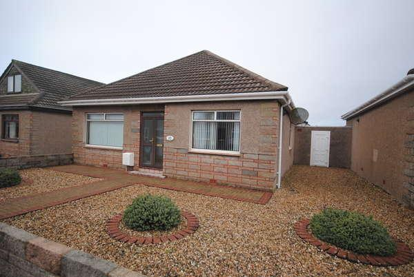 3 Bedrooms Detached Bungalow for sale in 10 Brandon Gardens, Prestwick, KA9 1RY
