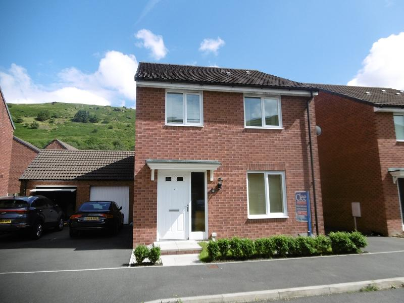 4 Bedrooms Detached House for sale in Ffordd Y Glowyr , Godrergraig, Swansea.