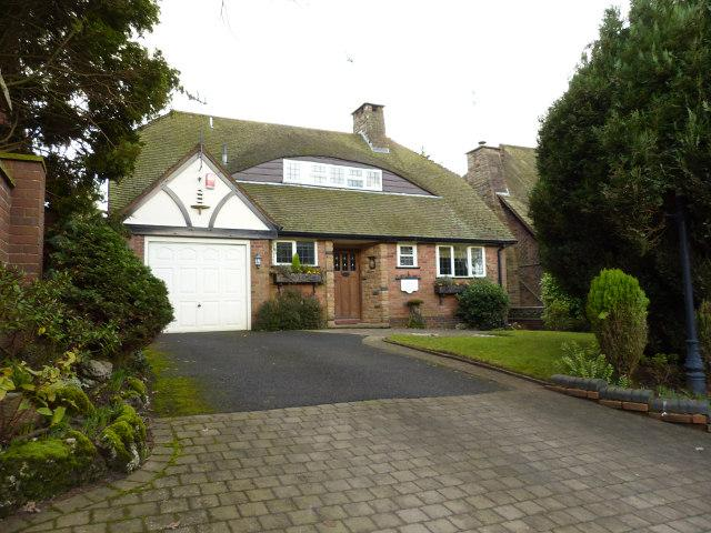 2 Bedrooms Bungalow for sale in Beacon Road,Walsall,West Midlands