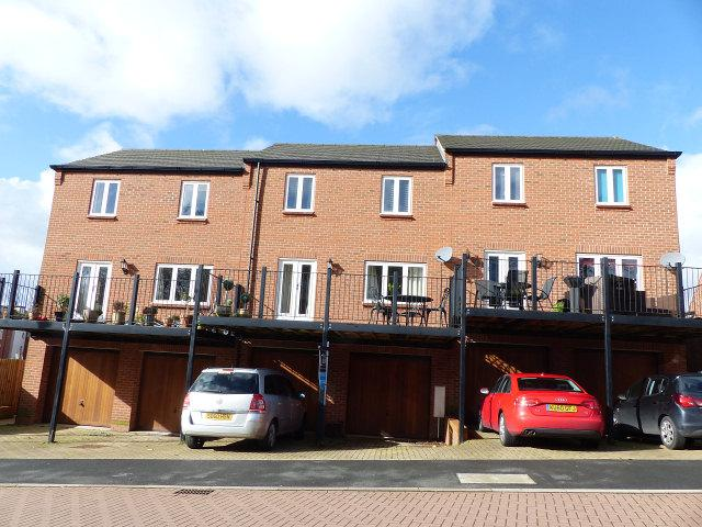 3 Bedrooms Terraced House for sale in Ferney Hills Close,Great Barr,Birmingham