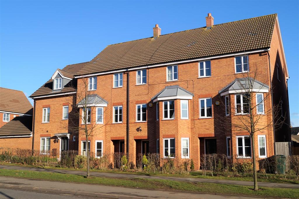 4 Bedrooms Town House for sale in Humber Road, Stoke, Coventry