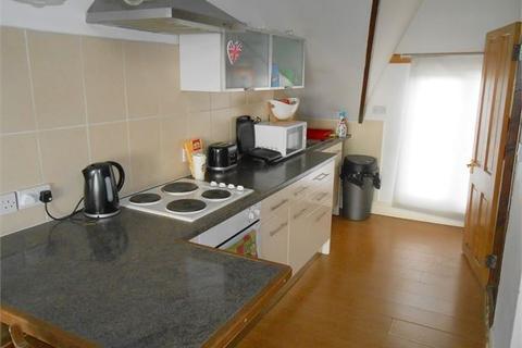 Studio to rent - The Promenade, Mount Pleasant, Swansea,