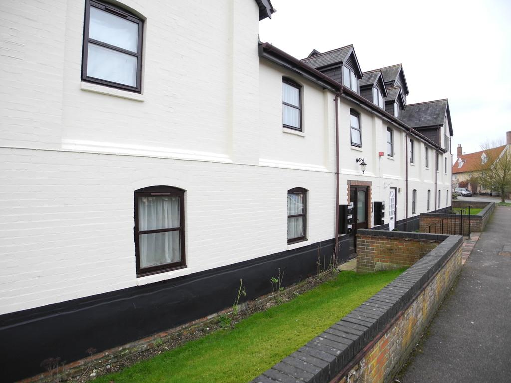 2 Bedrooms Apartment Flat for sale in The Maltings, Staithe Road, Bungay