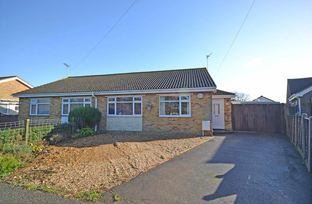 2 Bedrooms Bungalow for sale in Manor Lane, Selsey, PO20