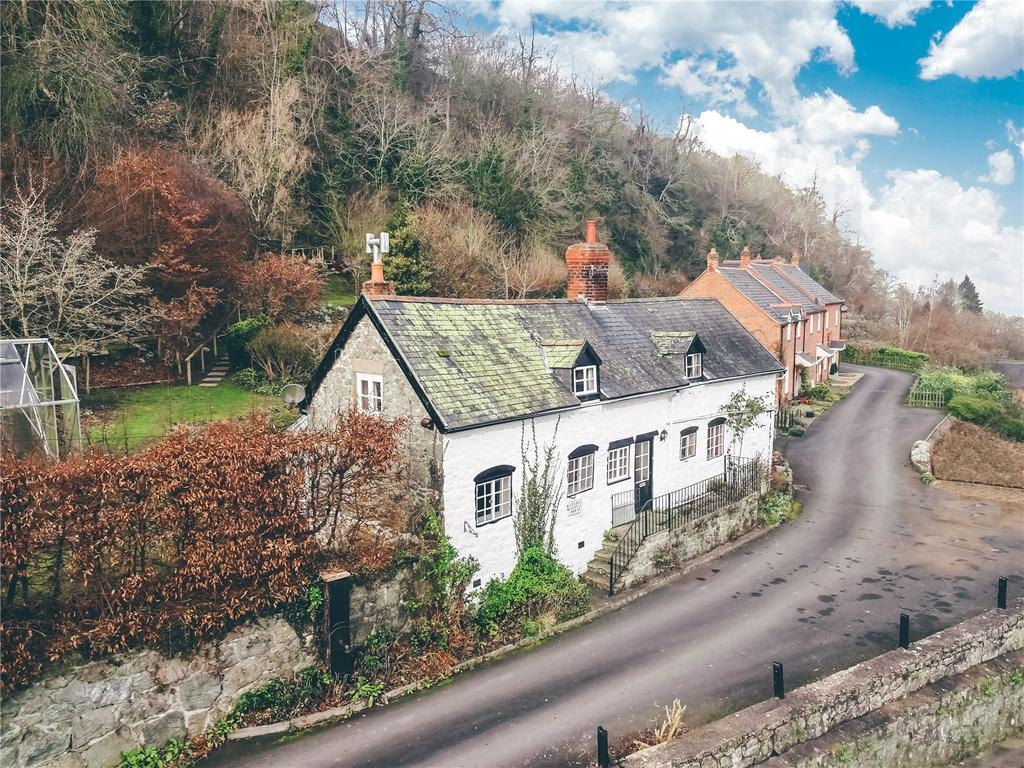 3 Bedrooms Detached House for sale in Arthur Street, Montgomery, Powys