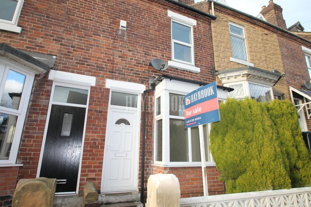 2 Bedrooms Terraced House for sale in Albany Street, Clifton