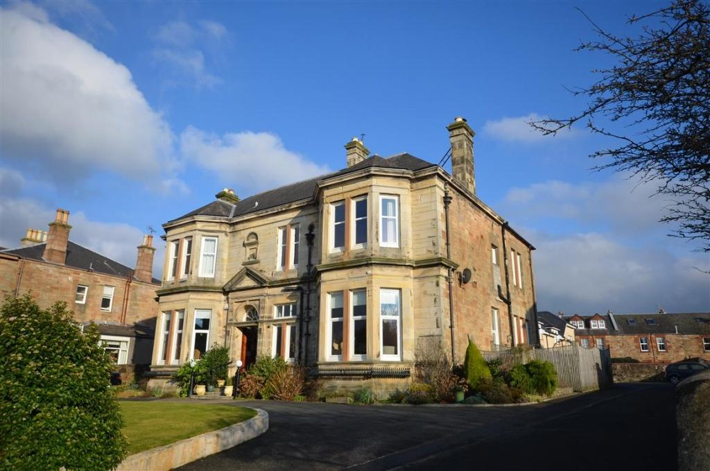 4 Bedrooms Apartment Flat for sale in 37 Carrick Road, Ayr, KA7 2RD