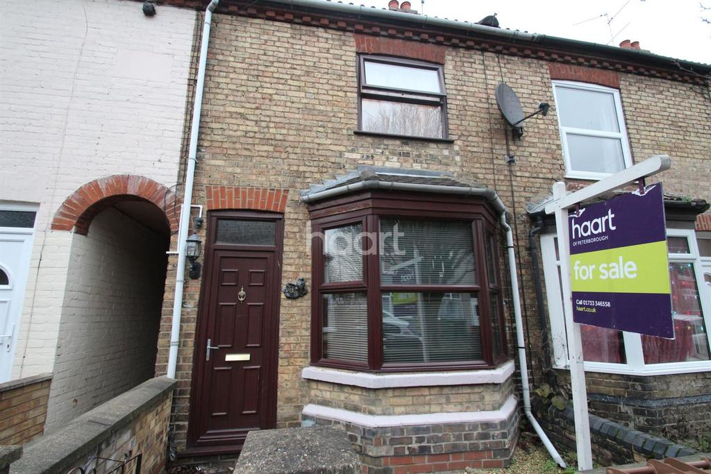 3 Bedrooms Terraced House for sale in Silver Street, Woodston, Peterborough