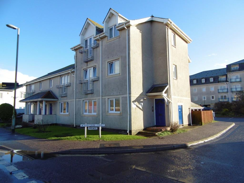 2 Bedrooms Flat for sale in Norcombe Court, Seaton