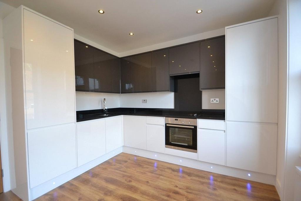 2 Bedrooms Flat for sale in Mulkern Road, Archway, London, N19