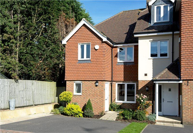 3 Bedrooms End Of Terrace House for sale in Haxted Place, Edenbridge, Kent, TN8