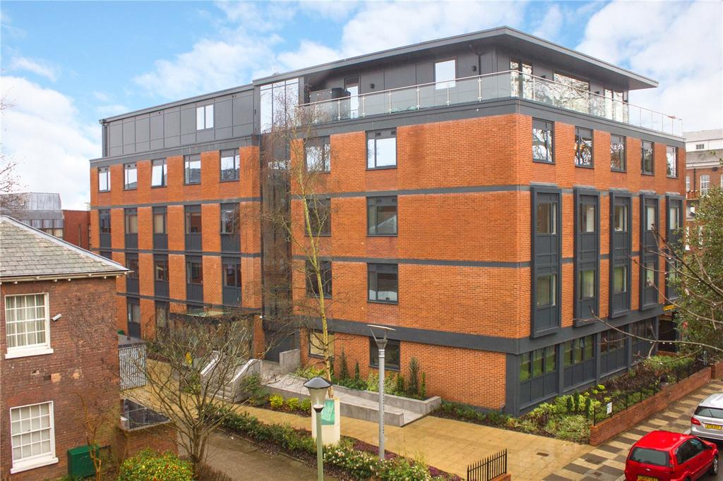 2 Bedrooms Flat for sale in Trinity Court, Southernhay East, Exeter, Devon, EX1