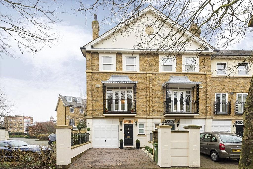 3 Bedrooms Semi Detached House for sale in Wyatt Drive, London, SW13