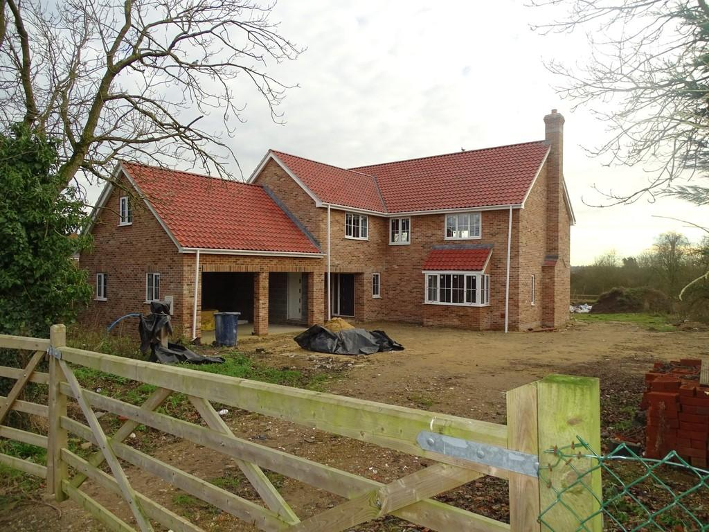 5 Bedrooms Detached House for sale in Shadwell Close, Weeting