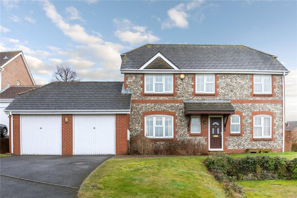 4 Bedrooms Detached House for sale in Sorley Close, Marlborough, Wiltshire, SN8