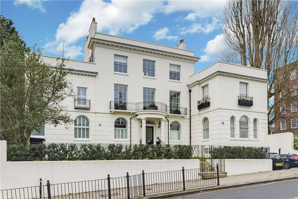 2 Bedrooms Terraced House for sale in Park House Passage, Highgate, London, N6