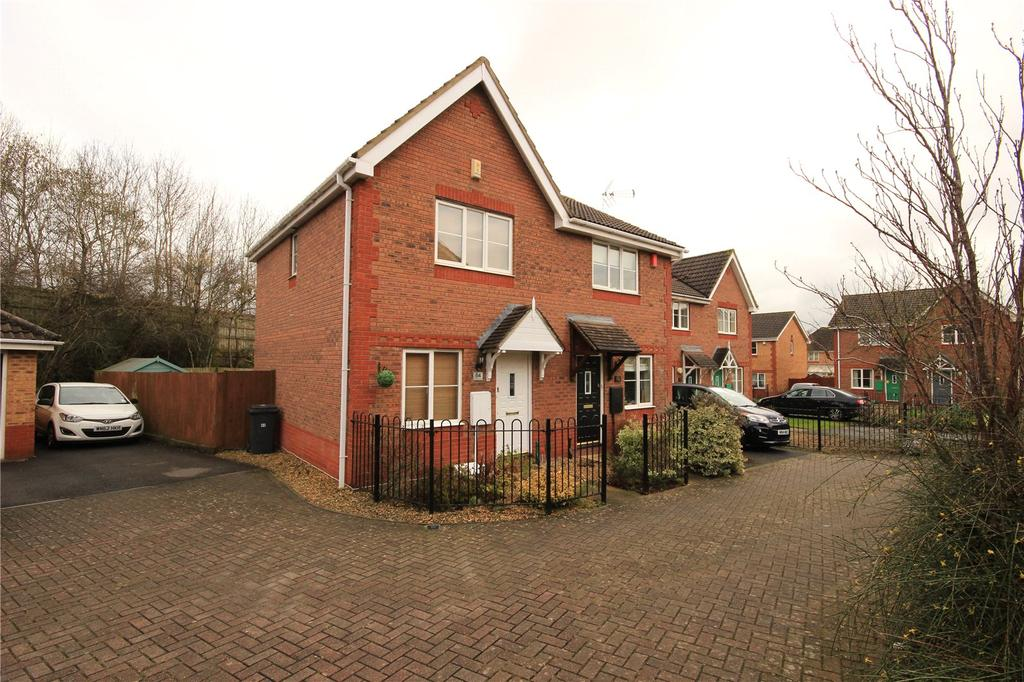2 Bedrooms Semi Detached House for sale in Westons Brake, Emersons Green, Bristol, BS16