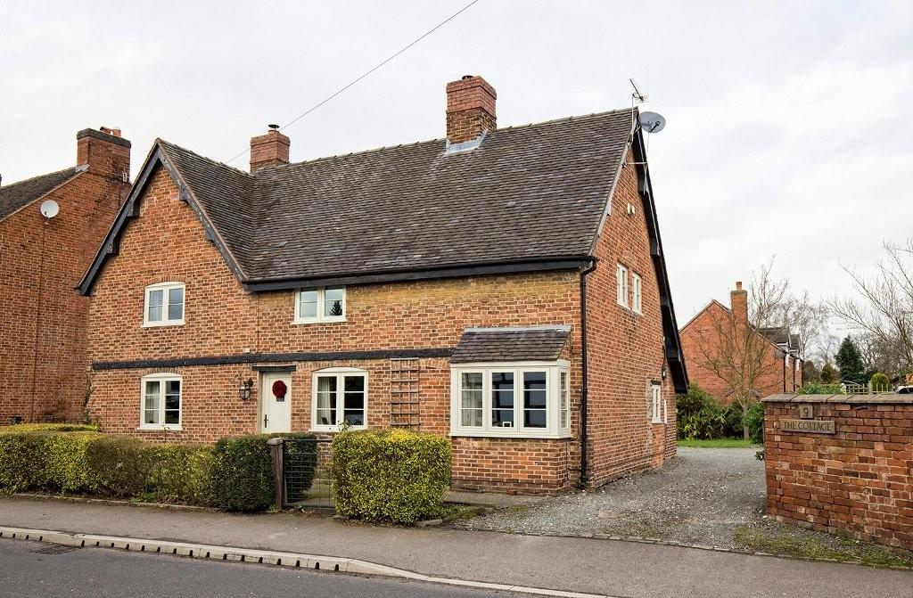 4 Bedrooms Detached House for sale in Alrewas Road, Kings Bromley