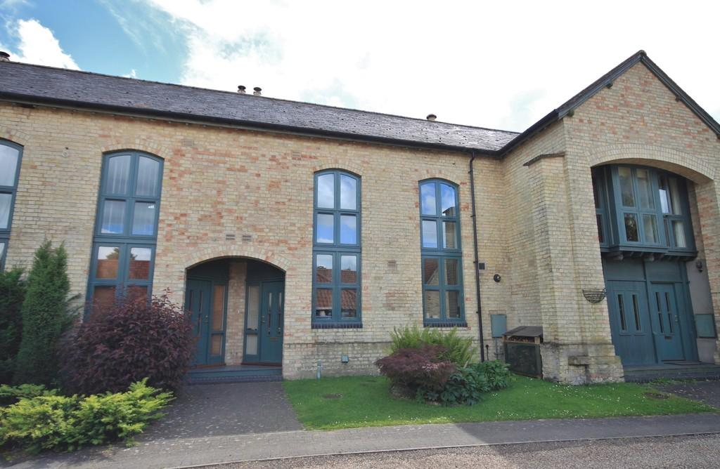 4 Bedrooms Barn Conversion Character Property for sale in Parsonage Barns, Bottisham
