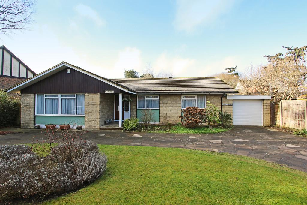 3 Bedrooms Detached Bungalow for sale in Holly Lane, Banstead