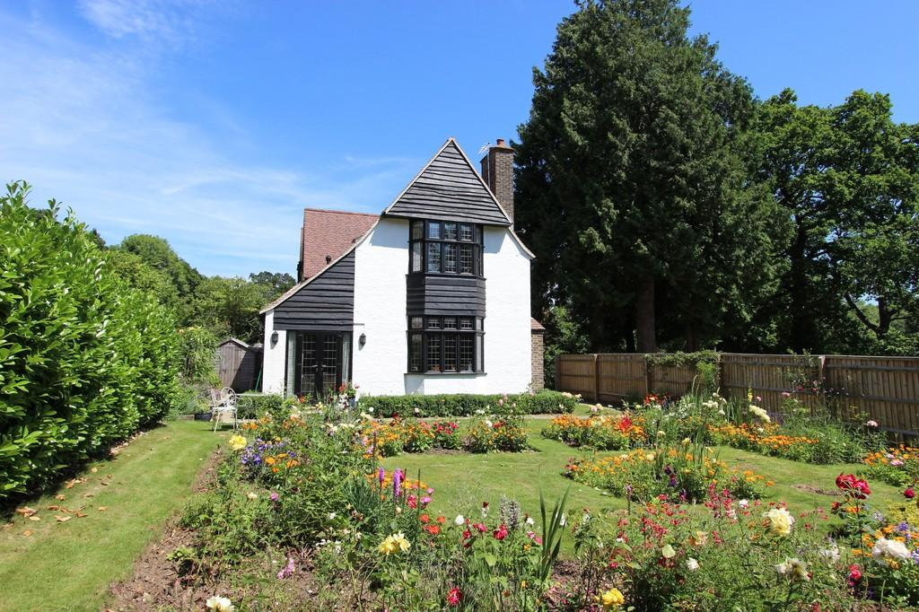 2 Bedrooms Mews House for sale in Dacre Close, Chipstead