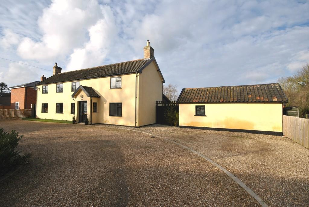 5 Bedrooms Detached House for sale in Yaxley, Suffolk