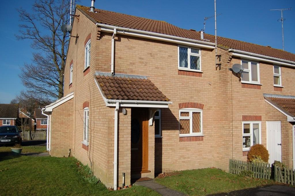 1 Bedroom End Of Terrace House for sale in The Pines, Haywards Heath