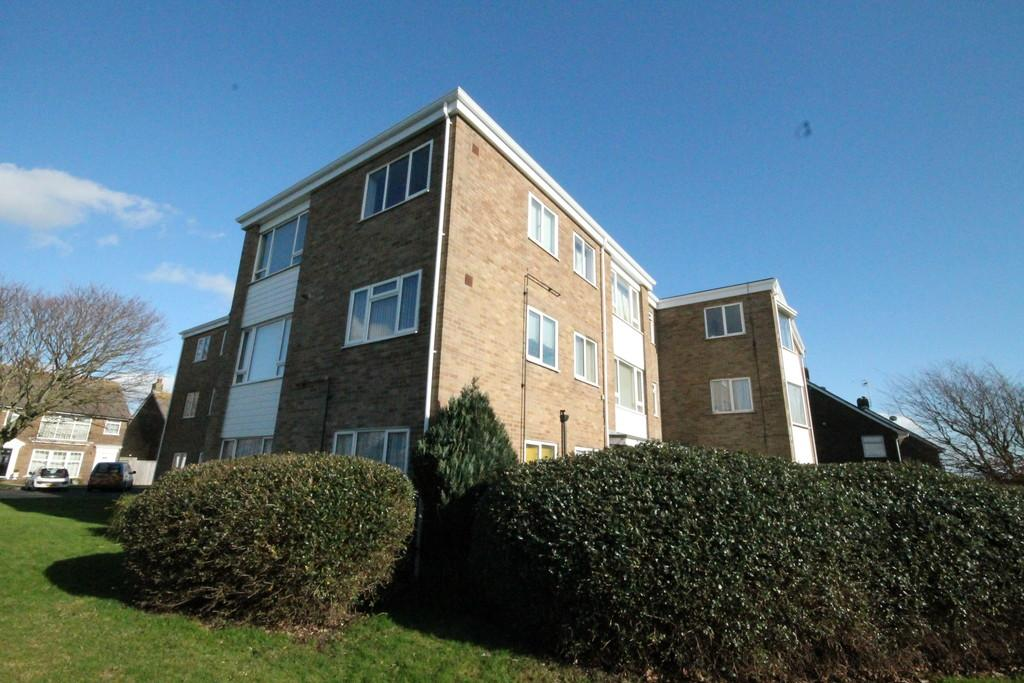 2 Bedrooms Flat for sale in Montague Court, Rectory Road, Shoreham-by-Sea, BN43 6EL