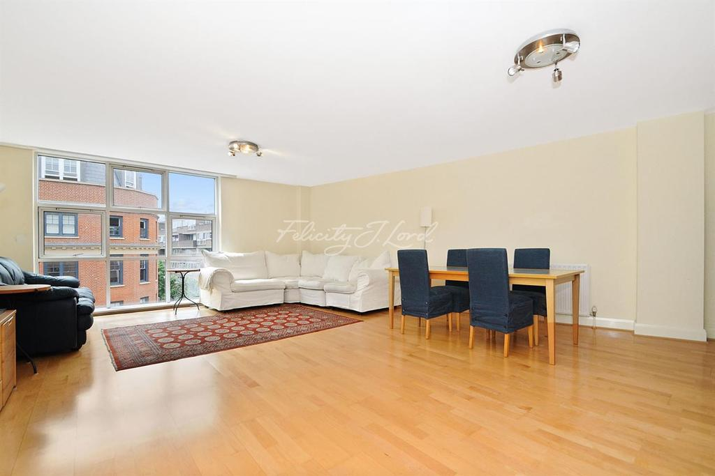2 Bedrooms Flat for sale in Silverdale Court, EC1V