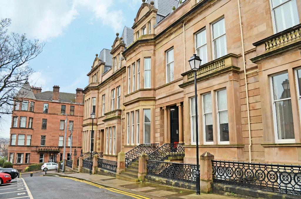 2 Bedrooms Flat for sale in Lilybank Terrace, Flat 0/1, Hillhead, Glasgow, G12 8RX