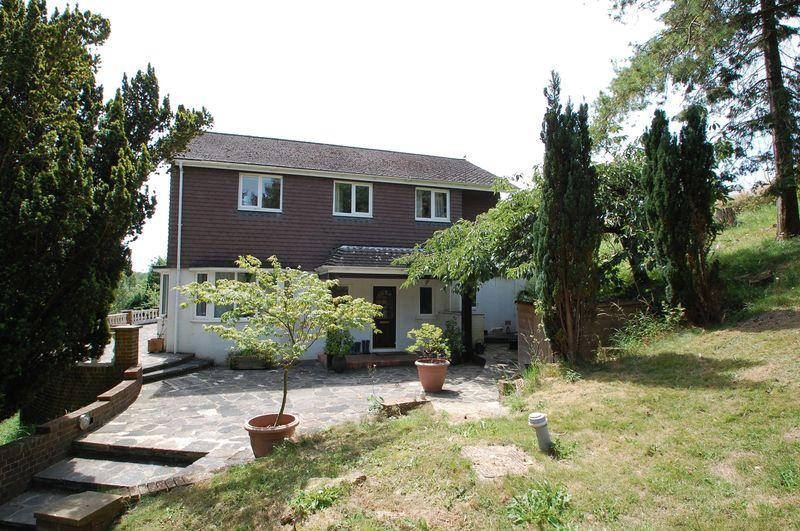 5 Bedrooms Detached House for sale in Gravel Hill, CLANFIELD, Hampshire, PO8