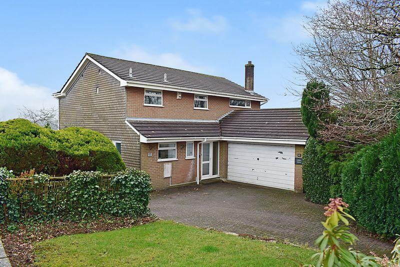 4 Bedrooms Detached House for sale in Woodgate Road, Liskeard