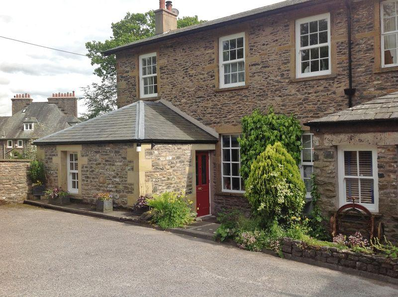 3 Bedrooms End Of Terrace House for sale in 6 Loftus Manor, Sedbergh
