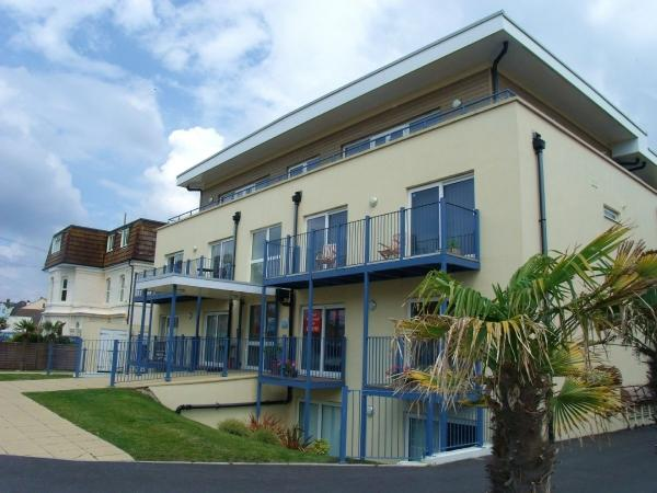 2 Bedrooms Flat for sale in St. Catherines Road , Southbourne