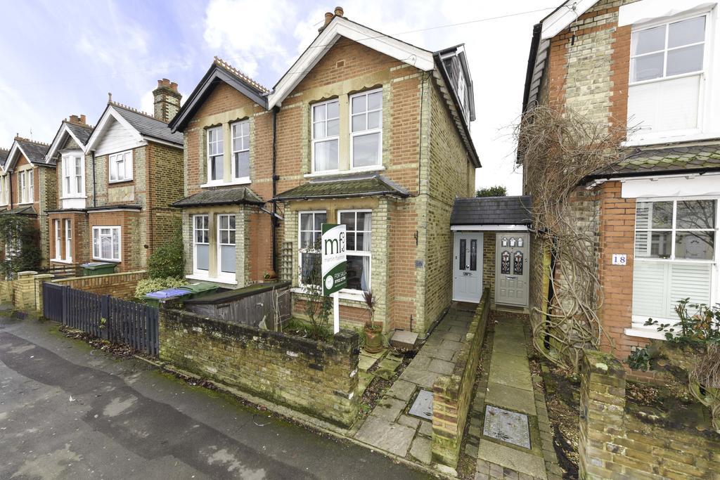 3 Bedrooms Semi Detached House for sale in Felcott Road, WALTON ON THAMES KT12