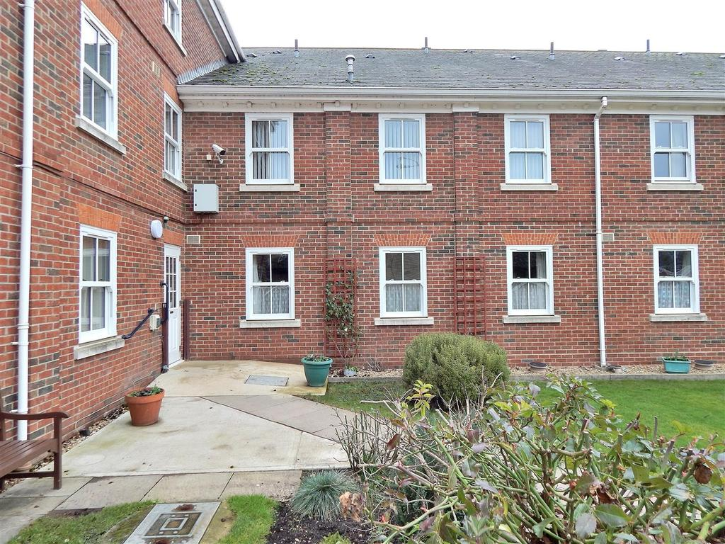 1 Bedroom Flat for sale in County Court Road, King's Lynn
