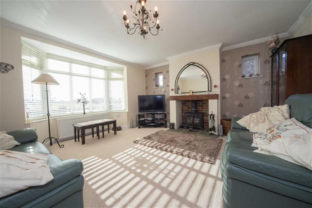 4 Bedrooms Detached Bungalow for sale in Barnfield Avenue, Luton
