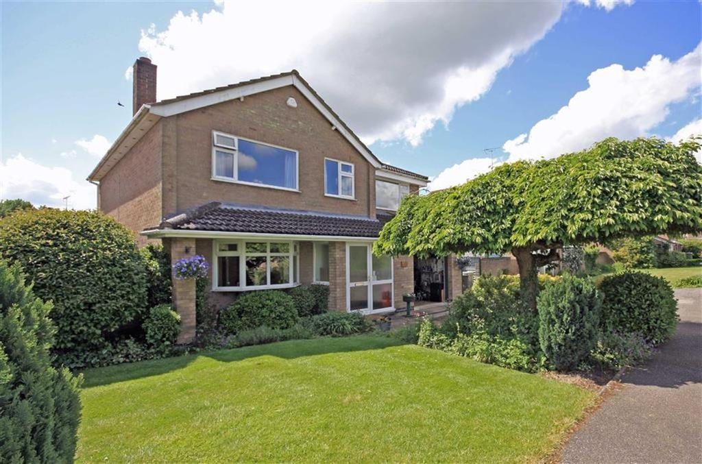 4 Bedrooms Detached House for sale in Willoughby Drive, Empingham, Rutland