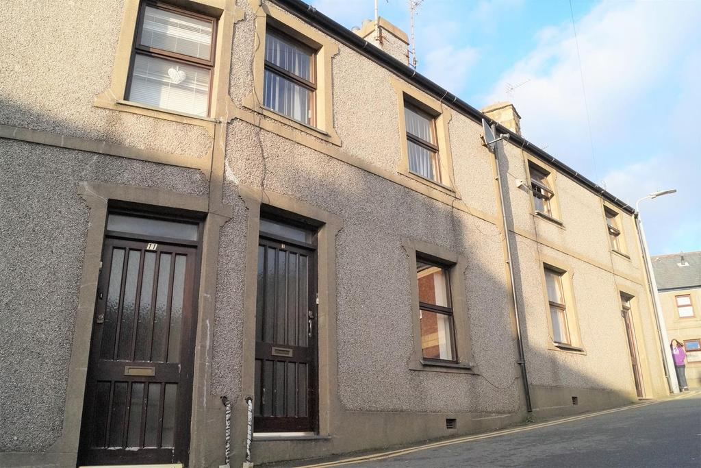 2 Bedrooms Terraced House for sale in Mitre Place, Pwllheli