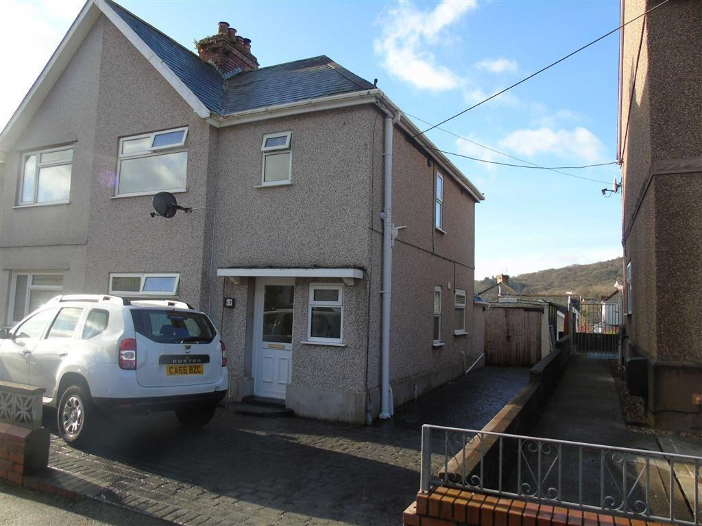 3 Bedrooms Semi Detached House for sale in Kelvin Road, Clydach, Swansea