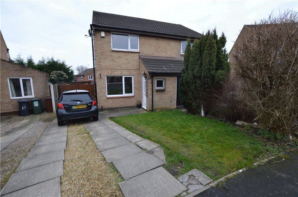 2 Bedrooms Semi Detached House for sale in Hazel Avenue, Leeds, West Yorkshire