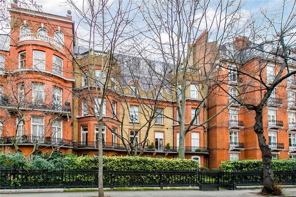 2 Bedrooms Flat for sale in Drayton Gardens, Chelsea, London
