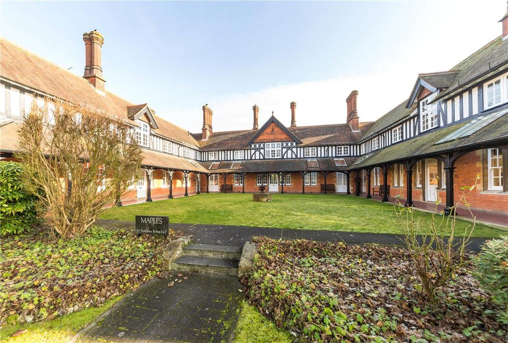 1 Bedroom Flat for sale in Maples, Clarence Road, Harpenden, Hertfordshire