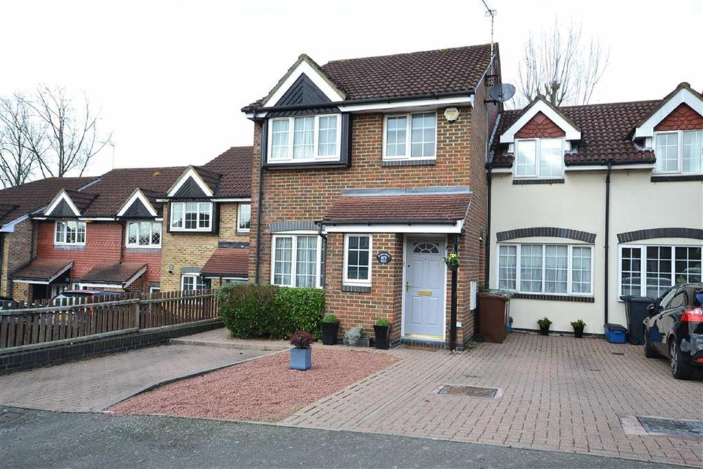 4 Bedrooms Semi Detached House for sale in Robeson Way, Borehamwood