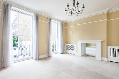 Studio to rent - Blandford Street, London, W1U