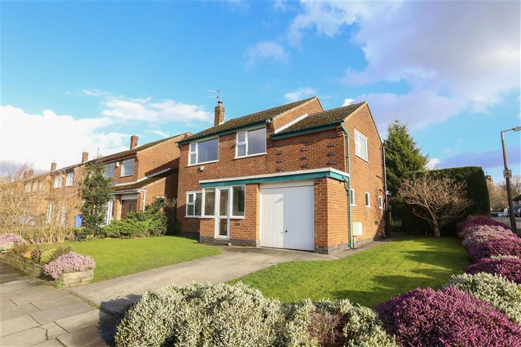 4 Bedrooms Detached House for sale in Buckingham Road West, Heaton Moor