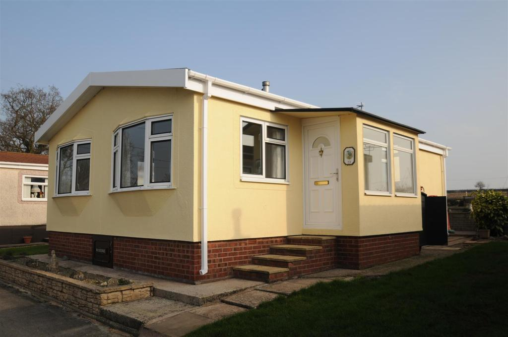 2 Bedrooms Park Home Mobile Home for sale in Cheshire Park Homes Chester Road, Dunham On The Hill, Frodsham
